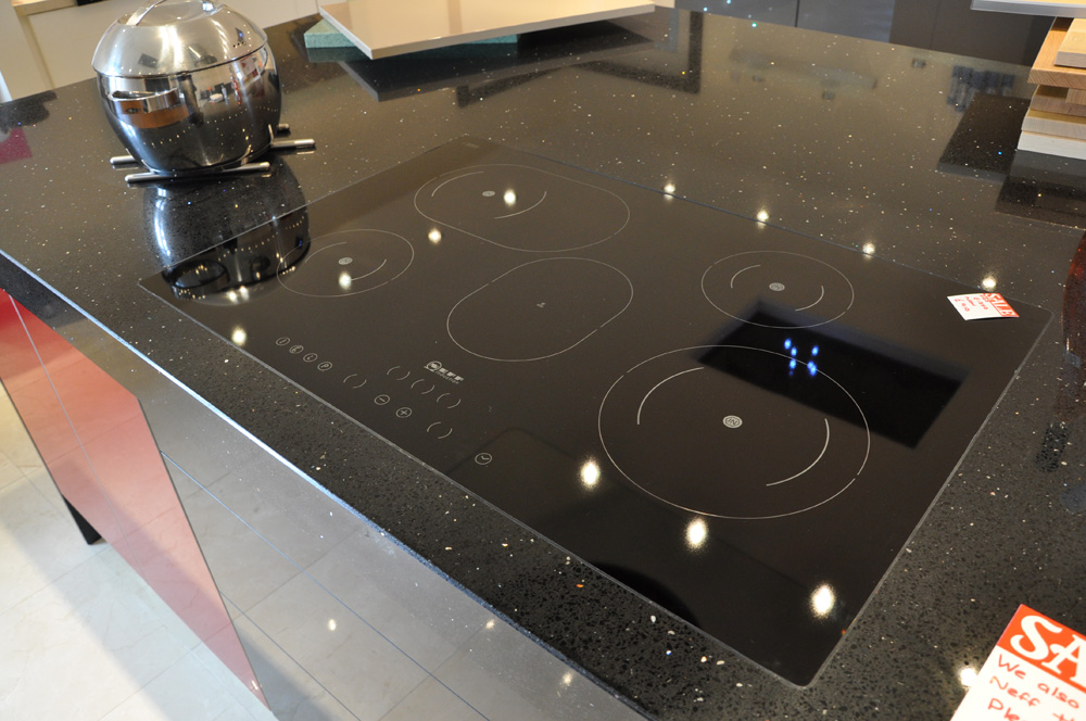 Quartz Worktops Black Sparkly Azabache by Compac
